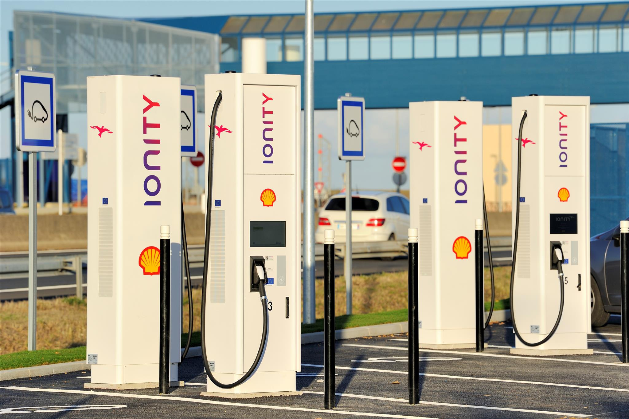 IONITY chooses SPIE for the deployment of its pan-European network of electric vehicle charging stations
